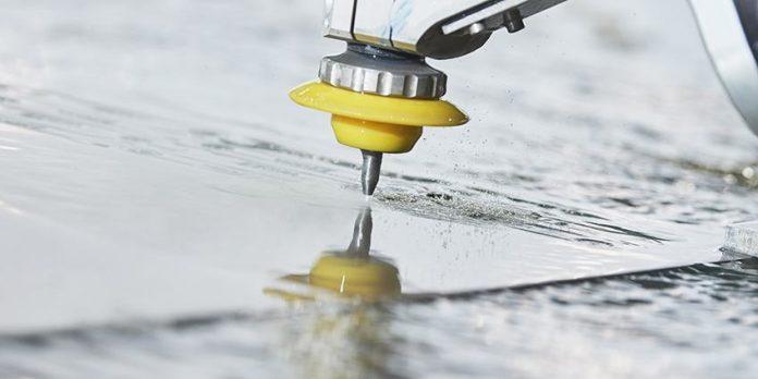 Stahl mit Wasser schneiden